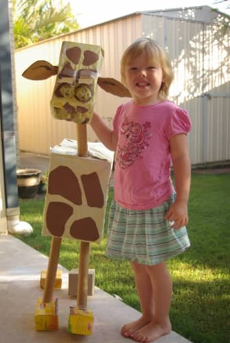 Make a life sized giraffe