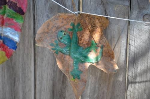 Leaf garland for kids
