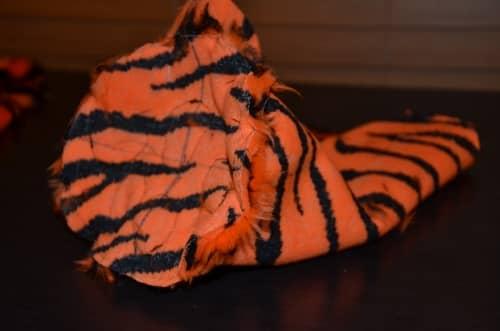 make tiger feet