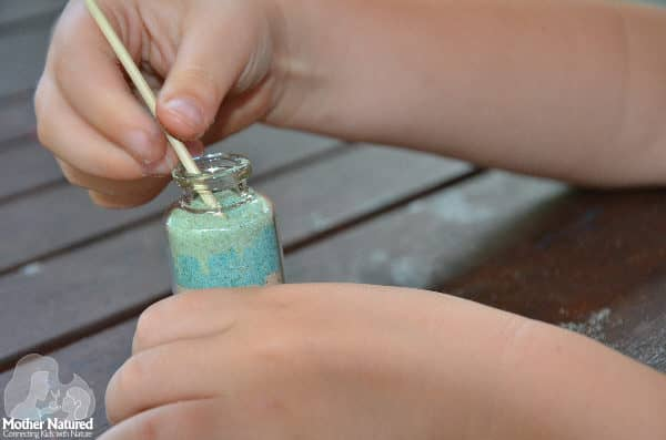 Sand in a bottle: so simple and so fun!