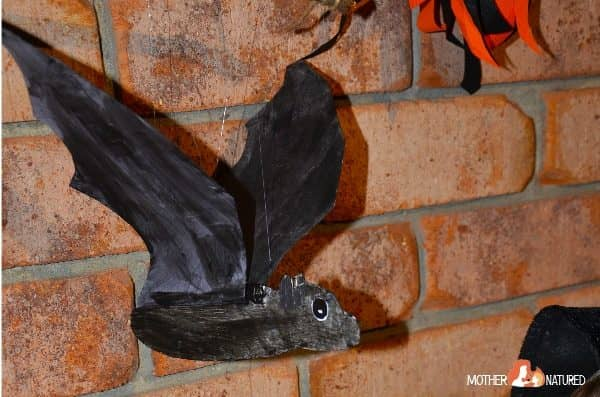 Flapping Bat Craft: The Perfect Interactive Halloween Decoration