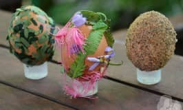 Nature craft Easter eggs to ooo and aaah over