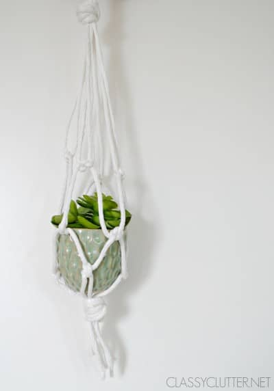 Macramé-Planter-small-plant