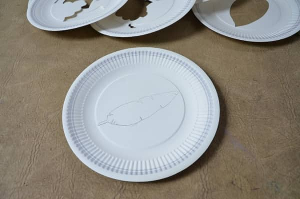 Draw picture on paper plate