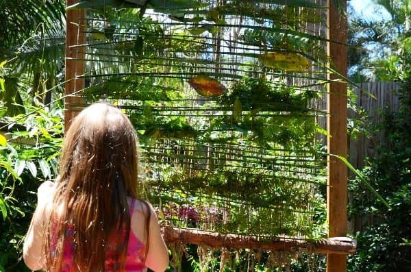 How to make a nature weaving frame that will give you calm kids