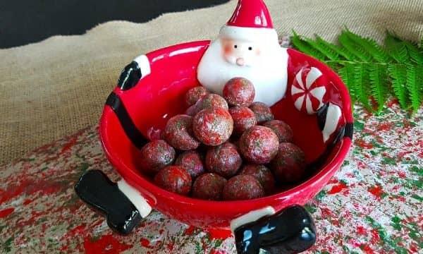 Macadamia nut Christmas traditions: play, craft and eat